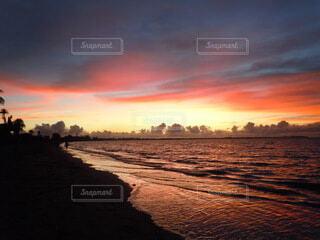 自然,海,空,屋外,海外,太陽,ビーチ,雲,きれい,砂浜,夕暮れ,水面,海岸,旅行,sunset,サンセット