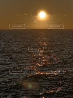 海,空,夕日,屋外,湖,太陽,ビーチ,夕焼け,水面,月,sunset,サンセット,海ポチャ
