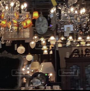 レトロなシャンデリアの写真・画像素材[4782609]