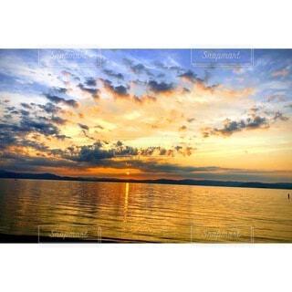 自然,風景,空,夕日,屋外,湖,太陽,ビーチ,雲,青,夕暮れ,水面,夕方,オレンジ,日の出,琵琶湖