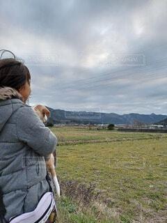 犬,風景,屋外,雲,電車,ペット,人物,人