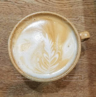 コーヒー,テーブル,食器,カップ,カプチーノ,エスプレッソ,カフェオレ,ドリンク,ラテ,カフェイン,飲料,モカ,ホワイトコーヒー,マキアート,ペストリー,食器類,コーヒー カップ,受け皿,コーヒー飲料