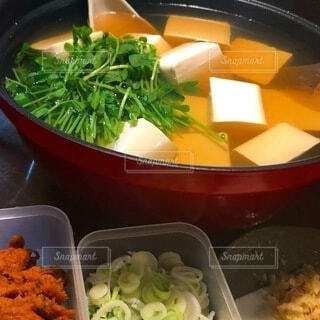 お鍋が食べたくなる季節の写真・画像素材[4833199]