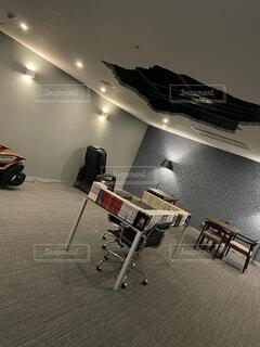 屋内,椅子,テーブル,床,壁