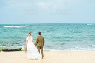 風景,海,ビーチ,砂浜,ドライフラワー,結婚式,沖縄,ドレス,結婚,ウェディング,ウェディングフォト