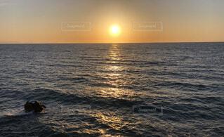 自然,風景,海,空,夕日,屋外,湖,太陽,ビーチ,雲,岩場,夕暮れ,散歩,船,水面,海岸,景色,地平線,日の出,穏やか
