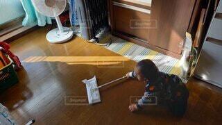 初めてのお掃除の写真・画像素材[4796314]