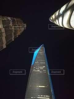 空,夜,暗い,見上げる,タワー,都会,高層ビル,上海,摩天楼,先進的