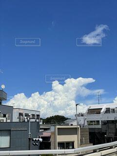 空,建物,屋外,雲,日中