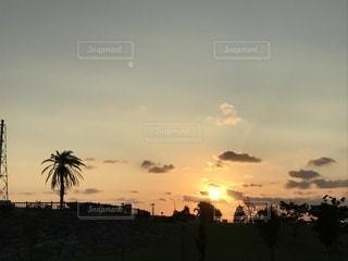 南国沖縄秋の夕暮れ。の写真・画像素材[1629702]