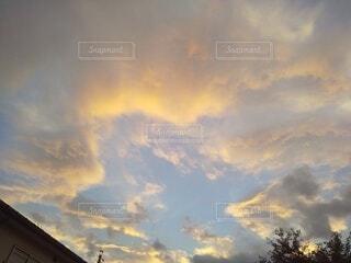 夕焼けの空の写真・画像素材[4887317]