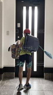 通学,行ってらっしゃい,大荷物,パンパンのランドセル