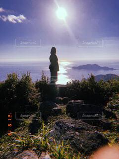 女性,自然,風景,空,屋外,雲,山,丘,人物,人