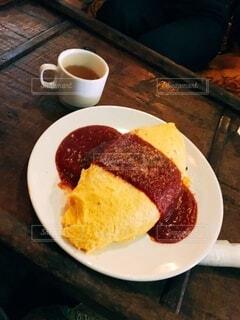 食べ物,コーヒー,食事,屋内,フード,デザート,テーブル,皿,食器,カップ,紅茶,菓子,飲食,コーヒー カップ