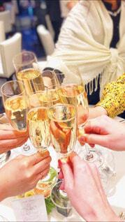 結婚式,ドレス,乾杯,シャンパン,友達,友人,ウェディング,ウェディングフォト
