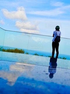 空,屋外,雲,青,鏡,人物,人,フォトジェニック,反転
