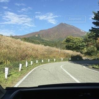 風景,空,屋外,雲,車,道路,山,草,樹木,道,旅行,草木
