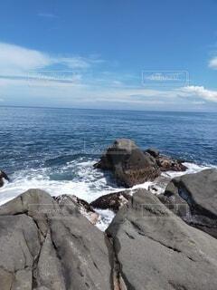 自然,海,空,屋外,湖,ビーチ,雲,水面,海岸,山,岩