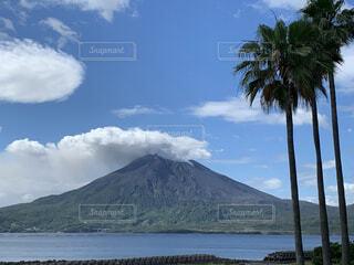 自然,風景,海,空,屋外,湖,雲,水面,山,バック グラウンド