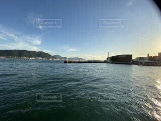 自然,海,空,屋外,湖,雲,ボート,船,水面,山,光,旅行,水上バイク