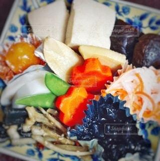 ヘルシーおせち料理の盛り合わせの写真・画像素材[3883910]