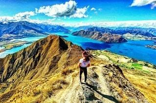 自然,風景,空,絶景,湖,海外,雲,晴れ,青空,島,青,水,山,景色,トレッキング,登山,旅行,旅,快晴,女子旅,海外旅行,ニュージーランド,頂上,1人旅,南島