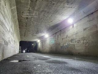夜,壁,トンネル,コンクリート,天井,灰,崩壊,放棄,探査