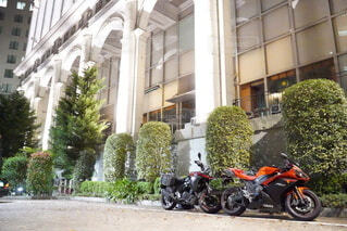屋外,駐車場,道路,バイク,タイヤ,オートバイ,車両,ホイール,イタリア風,自動車部品,陸上車両