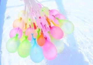 夏,プール,風船,パステル,明るい,カラー,水風船,スマホ撮影,多色,子供の芸術
