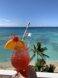 海,空,木,ピンク,オレンジ,スカイブルー,フルーツ,ブルー,カクテル,リゾート,快晴,ドリンク,ソフトドリンク