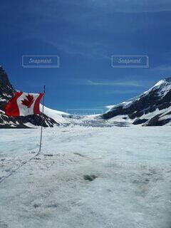 自然,雪,屋外,青空,水面,大自然,旅行,カナダ,国立公園,カナディアンロッキー,北米,ジャスパー,コロンビア大氷原,カナダフラッグ