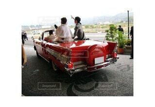 風景,赤,結婚式,パレード,クラシックカー,車両,ホイール,50's,アメリカンドリーム,アメリカングラフィティ