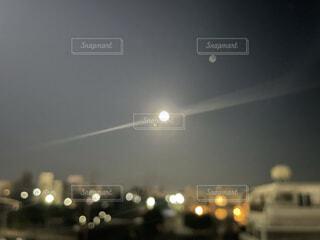 9月19日、満月ふたつの写真・画像素材[4918356]