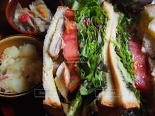 食べ物,ハンバーガー,野菜,サラダ,サンドイッチ,菓子,タコス,ファストフード
