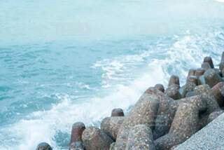 海,スポーツ,ビーチ,青,水面,岩,水しぶき,青色,テトラポット