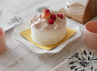 テーブルの上のコーヒー カップ - No.802530