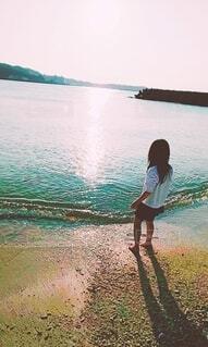 風景,海,屋外,湖,ビーチ,夕焼け,水面,沖縄,少女,人物,人