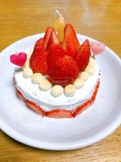 食べ物,ケーキ,屋内,いちご,果物,皿,ヨーグルト,おいしい,食パン,誕生日ケーキ,イチゴ,ボーロ,1歳の誕生日
