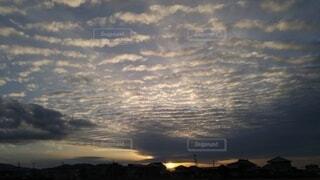 空,屋外,太陽,雲,夕暮れ,日の出,くもり