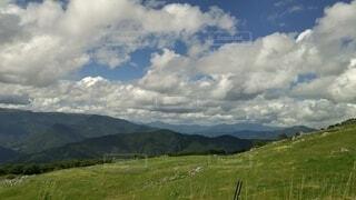自然,空,屋外,緑,草原,雲,山,景色,草,樹木,くもり