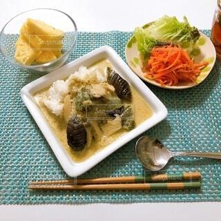 食べ物,箸,麺,タイカレー,タイフード