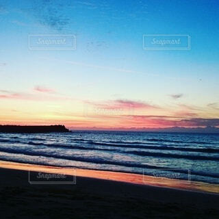 自然,風景,海,空,屋外,ビーチ,雲,夕暮れ,波,散歩,海岸,青と赤