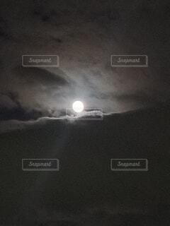 自然,風景,空,屋外,雲,散歩,光,月,白と黒,月の光