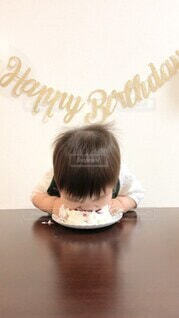 子ども,ケーキ,イベント,赤ちゃん,誕生日,男の子,1歳,誕生日ケーキ,バースデー,ライフスタイル,バースデーケーキ,行事,スマッシュケーキ