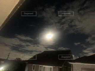 空,雲,月