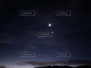 自然,風景,空,屋外,月,月と一番星,そばにいるよ