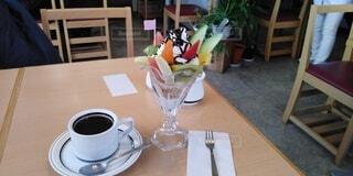 コーヒーとチョコレートパフェの写真・画像素材[4841576]
