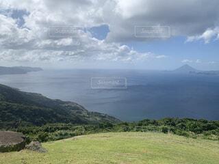 自然,風景,空,屋外,湖,緑,草原,雲,水面,山,景色,草,丘,山腹