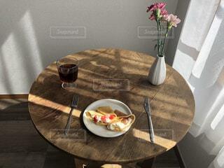 食べ物,花,食事,屋内,花瓶,フード,テーブル,皿,食器,飲食