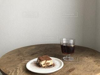 食べ物,コーヒー,食事,屋内,フード,デザート,テーブル,皿,壁,食器,おいしい,菓子,飲食,ソフトド リンク